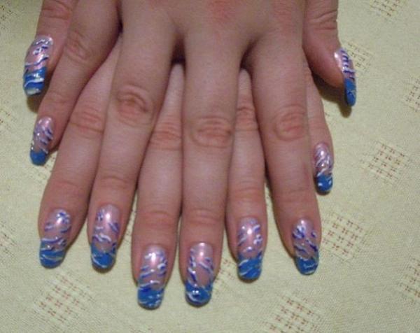 Растяжка акрилом на ногтях